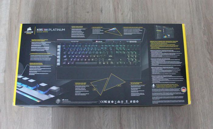 Verpackung von der Corsair K95 RGB